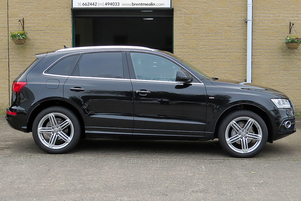 audi q5 2 0 tdi s tronic s line special edition quattro. Black Bedroom Furniture Sets. Home Design Ideas
