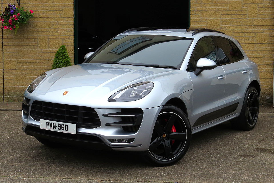 Porsche Macan Turbo AWD